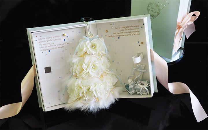冬のプロポーズにラブブック ホワイトツリー