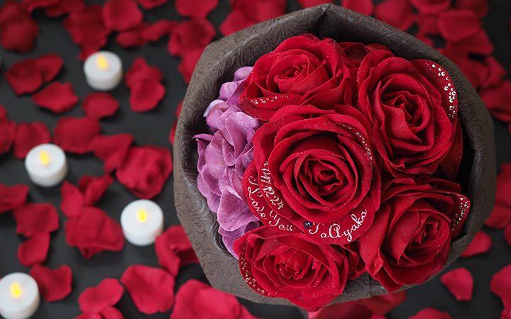 プロポーズといえば赤いバラの花束