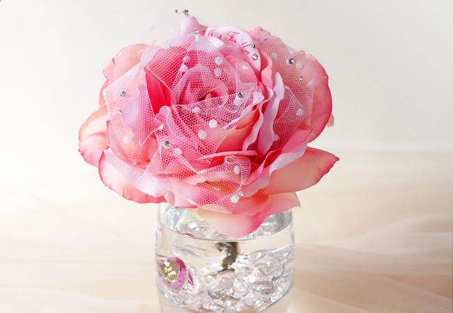 ピンクのバラのアートフラワー
