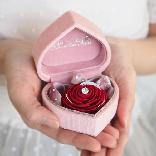 箱パカのプロポーズボックス赤バラ