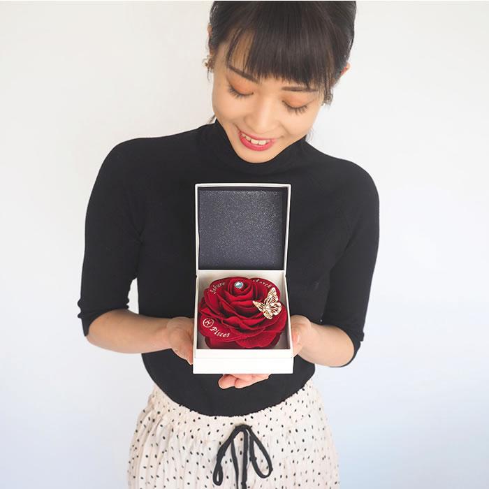 赤バラの誕生石ローズボックス