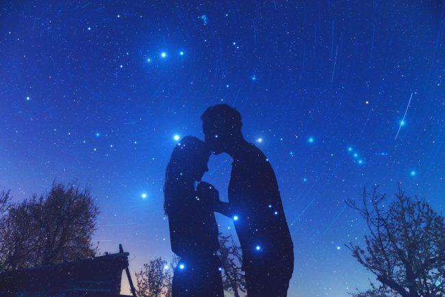 流星群を見るデート